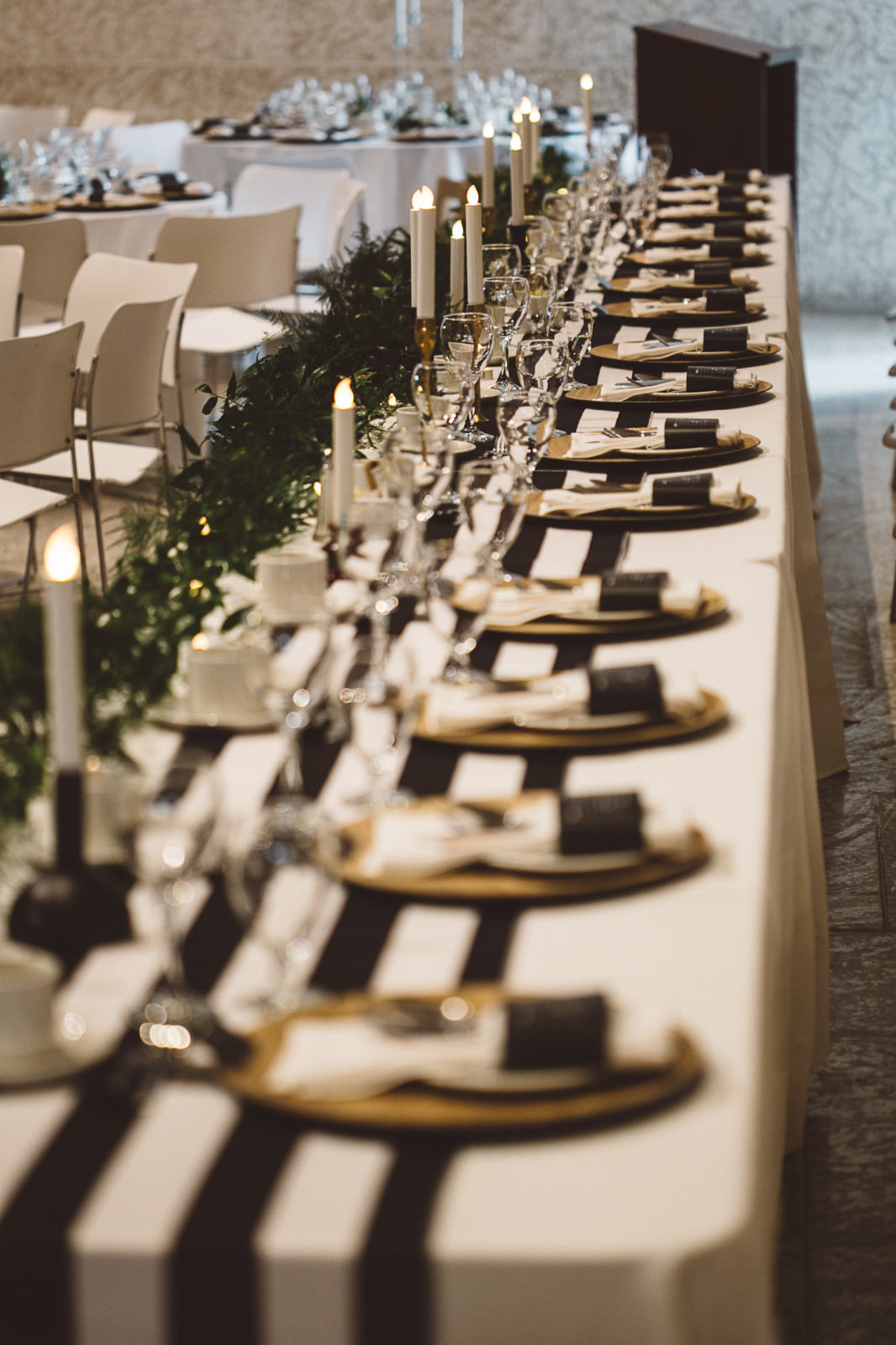 Melanie Parent Events - Winnipeg event planner- A chic, fresh, totally trendy wedding